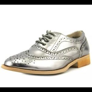 NEW WANTED Women Babe Lace up Oxford Flats Pewter